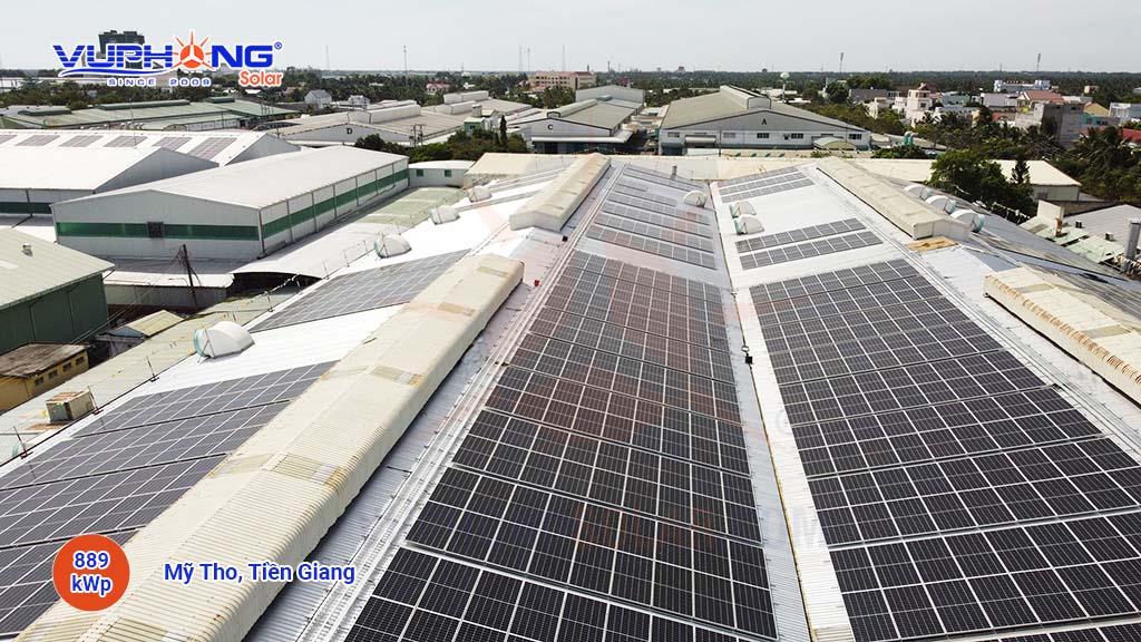 Solar-power-is-greening-plastic-factories-2